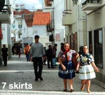 women in 7 skirts,Nazare