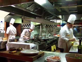 Firenze - Buca Lapi - open kitchen