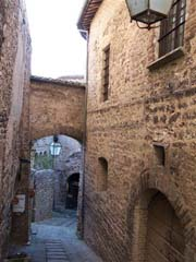 Spello - narrow street